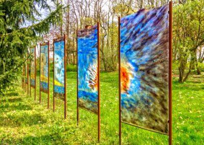 Glasobjekte-im-Skulpturenpark-zoom
