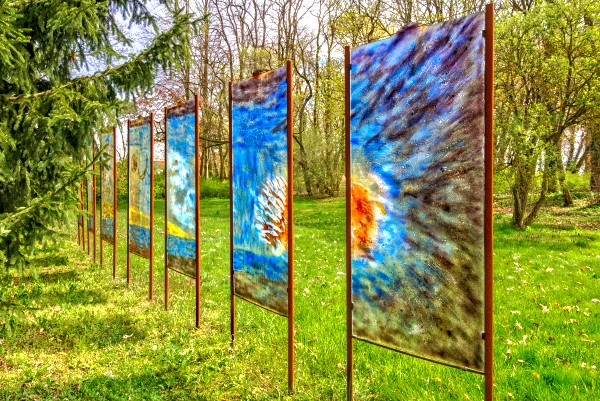 Glasobjekte im Skulpturenpark